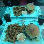 Hamburger vegetarien et hambuger au poulet pané