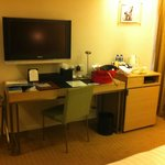 Desk with full stationery and minibar, Flatscreen TV