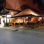 Nya Scandic Grill & Bar på gatuplan, Chaweng