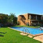Casa Naya - Pool-Gartenbereich