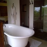 Nice tub for a lovely bubble bath after a safari