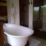 Nice tub for a lovely bubble bath after a safari