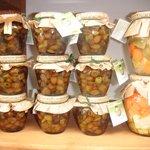 Olive taggiasche in olio e antipasto