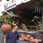 Depan Hotel True Siam