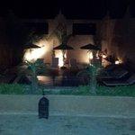 Entrada al Riad Bouchedor