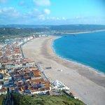 Vista de la playa y del hotel