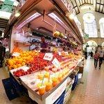 Un mercato pieno di colori