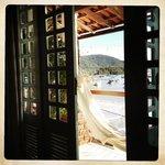 vue du balcon de la chambre. hamac au top!