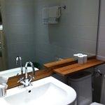 modern renoviertes Badzimmer... minimalistisch, aber stilvoll