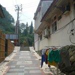 温泉街らしい遊歩道