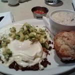 Kalamity Katie's Border Benedict w/out green onions. Grits of the day.