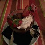 Mousse au chocolat et chantilly au spéculos