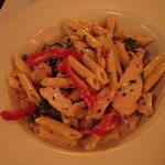 Pasta with chicken and peppers