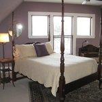 Niagara Falls Suite
