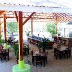 Open air rancho with common kitchen and dining area