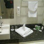 soin du look dans la salle de bain