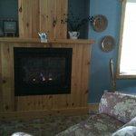 feu de foyer et sofa