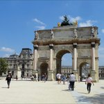 Here you can see the Arc de Triomphe du Carrousel which acts as an entrance towards the Louvre M