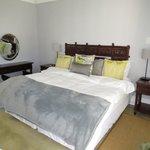 Crisp sheets and comfy bed!