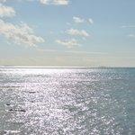 reflet du soleil sur le lagon