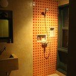 baño y ducha interior