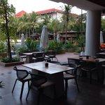 Restaurant, outside sitting