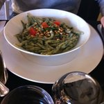la merda de can (gnocchetti verdi specialità di Nice) serviti con salsa di funghi a parte