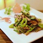 China Knoblauchgemüse mit trockene Tofu und Schweinefleisch
