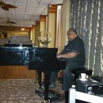Bistro piano player - excellent!