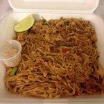 Chicken pad thai - to go