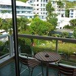 Balcon et vue jardins