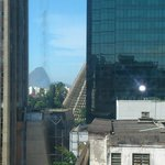 Vista do corredor do 4 andar.  Catedral e Bondinho.