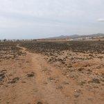 dirt track to Caletta
