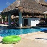 Pool bar at La Perla