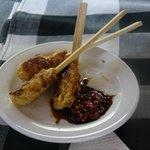 Cours de cuisine : brochettes de poulet sauce (très) pimentée