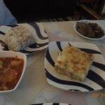 makarona beshamel(pasta al forno)+ roz (riso)+batates bel salsa (patate al sugo)