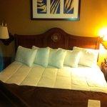 Schönes grosses Bett