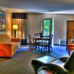 Executive Suite Streamside Room