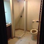 Bathroom in tropical room 'garden view'