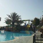 piscine avec tobogans