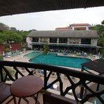 Blick: Balkon, Pool