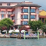 Private beach & exclusive jetty to enjoy the Garda Lake