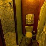Los Portales Room Bathroom