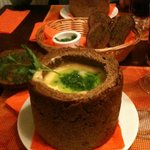 Суп в хлебном горшочке