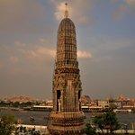 Wat Arun Pillars