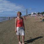 Пляжная зона перед Маяком