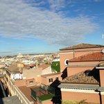 Вид на утренний Рим из ресторана гостиницы Барберини