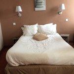 chambre exigue et minimalisme