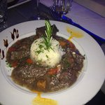 Gardianne de toro, plat du menu a 14,90. Tres bonne tres tendre.