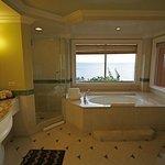 Oh la la, my favorite bathtub in Hawaii!  Grand Wailea, Maui (melissa mccoy)